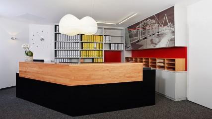 IB-BE_Theke_Empfang_4-Held Schreinerei | Interior Design Freising