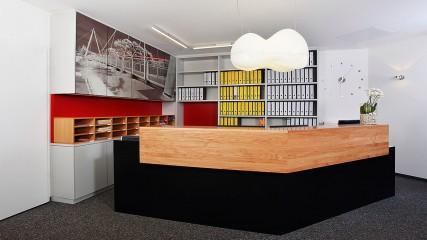 IB-BE_Theke_Empfang_4_li-Held Schreinerei | Interior Design Freising
