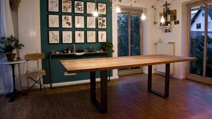 Tisch mit Stahlgestell_Held Schreinerei Interior Design Freising München